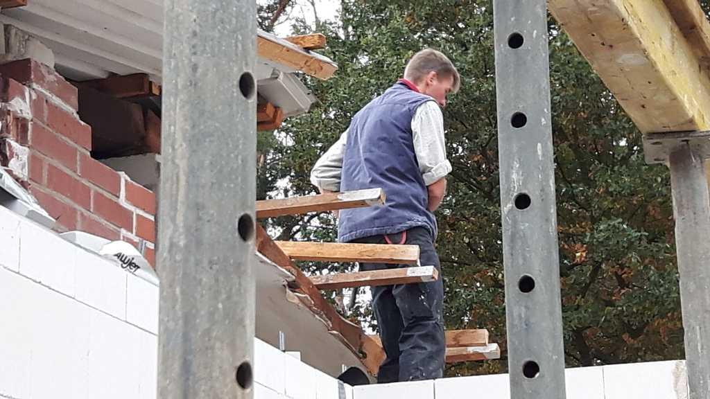 Bauleiter Sören Bahrs, fleißig wie immer!
