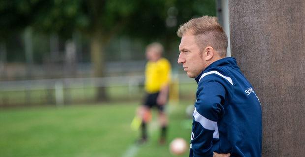 Es hätte der perfekte September werden können für Patrick Tolle und den SV Bruchhausen-Vilsen. Im fünften und letzten Spiel des Monats ließ sein Team erstmals Punkte: In Varrel hieß es am Ende 0:0. (Me