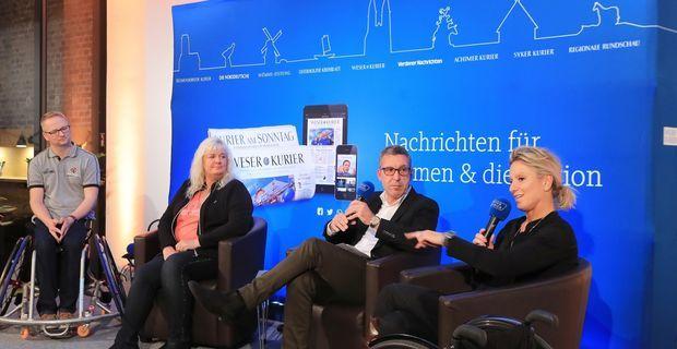 Nico Röger (v.l.), Sandra Schwenke, Mathias Sonnenberg und Kirsten Bruhn beim ersten WK-Talk, einem neuen Gesprächsformat des WESER-KURIER. Das Thema: Sport mit und ohne Grenzen. (Frank Thomas Koch)