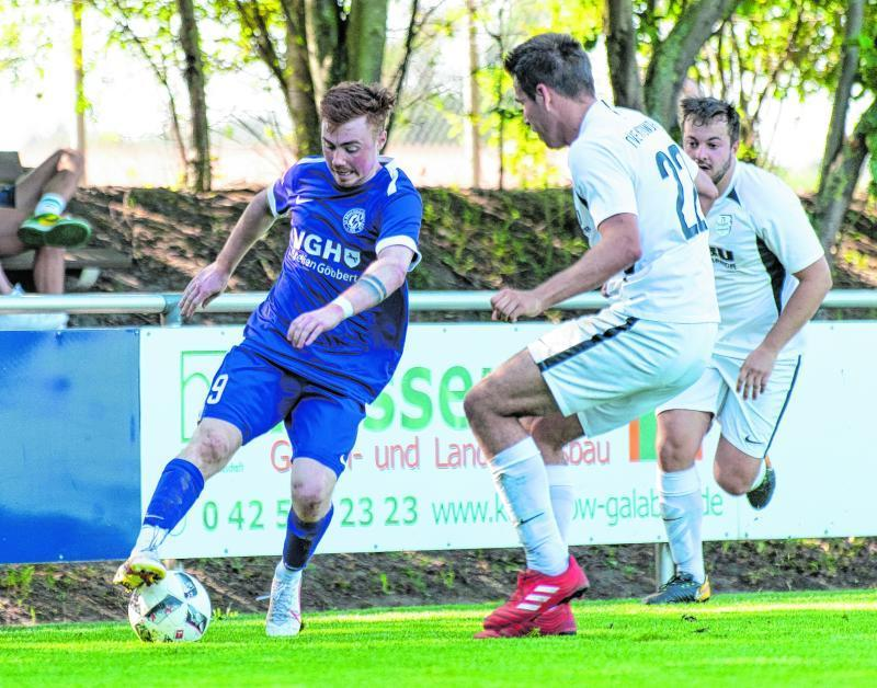 Flügelflitzer Dorian Klinger (am Ball) bereitete das 1:0 des SV Bruchhausen-Vilsen II vor.