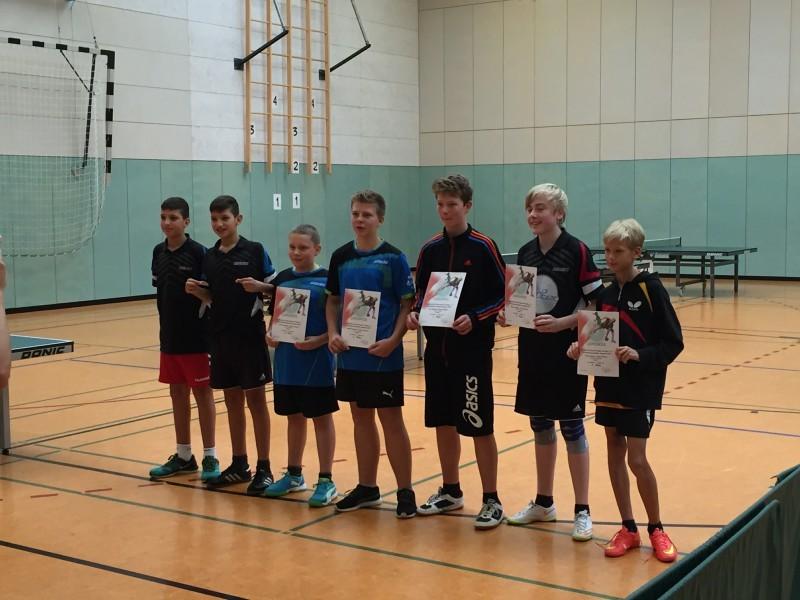 Jugend-Kreismeisterschaften 2015 A-Schüler-Doppel 3.+4. von links Yorick Martens/Julian Wuckert (3. Platz)