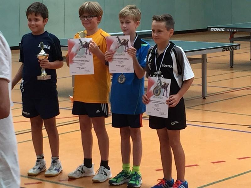 Jugend-Kreismeisterschaften 2015 C-Schüler-Einzel 2. von rechts Jakob Meier (3. Platz)