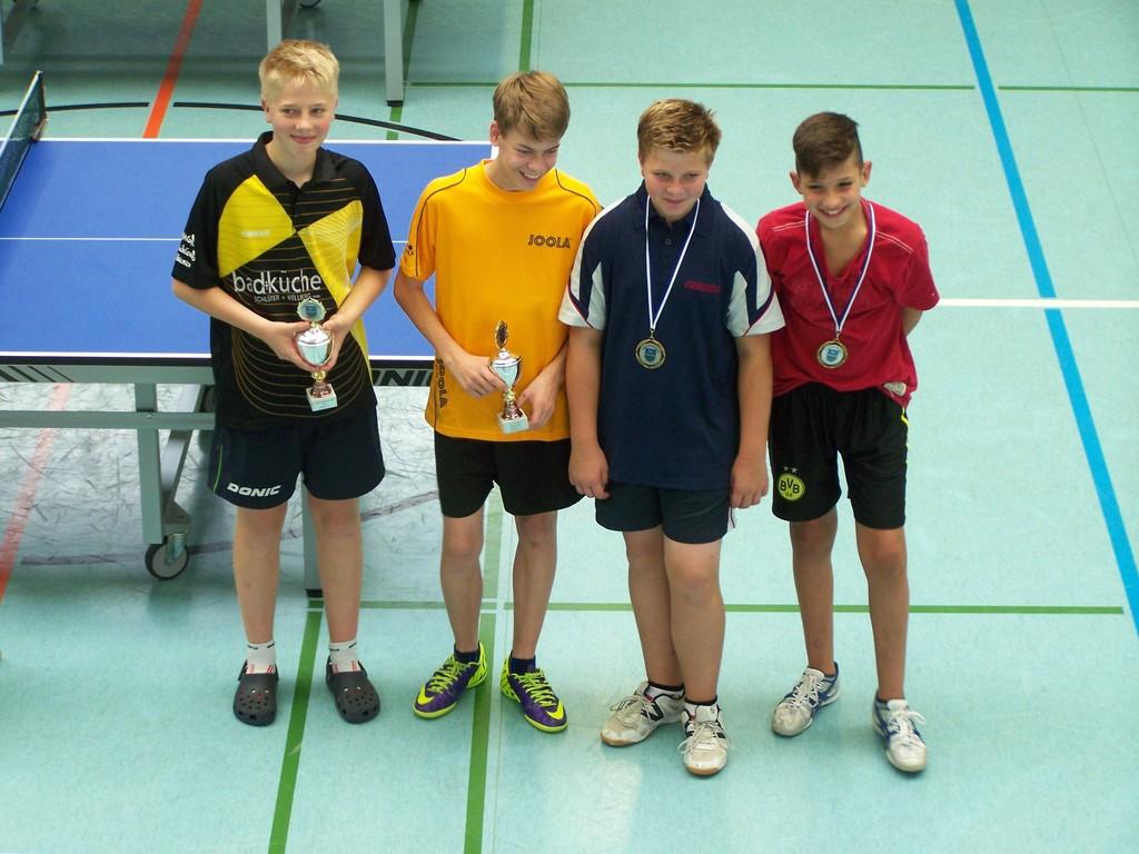 A-Schüler-Dritten Julian Wuckert (2. von rechts)
