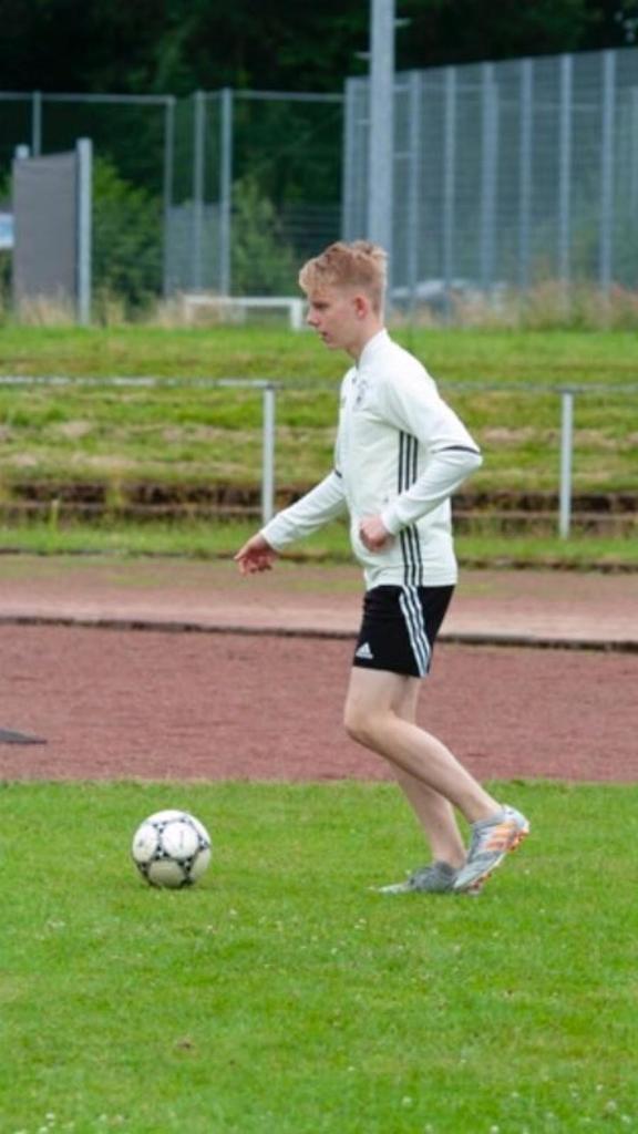 Mika Heynen (18)